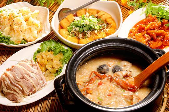 板橋六必居砂鍋粥(民權店)|美味蟹膏粥 料多超實在!