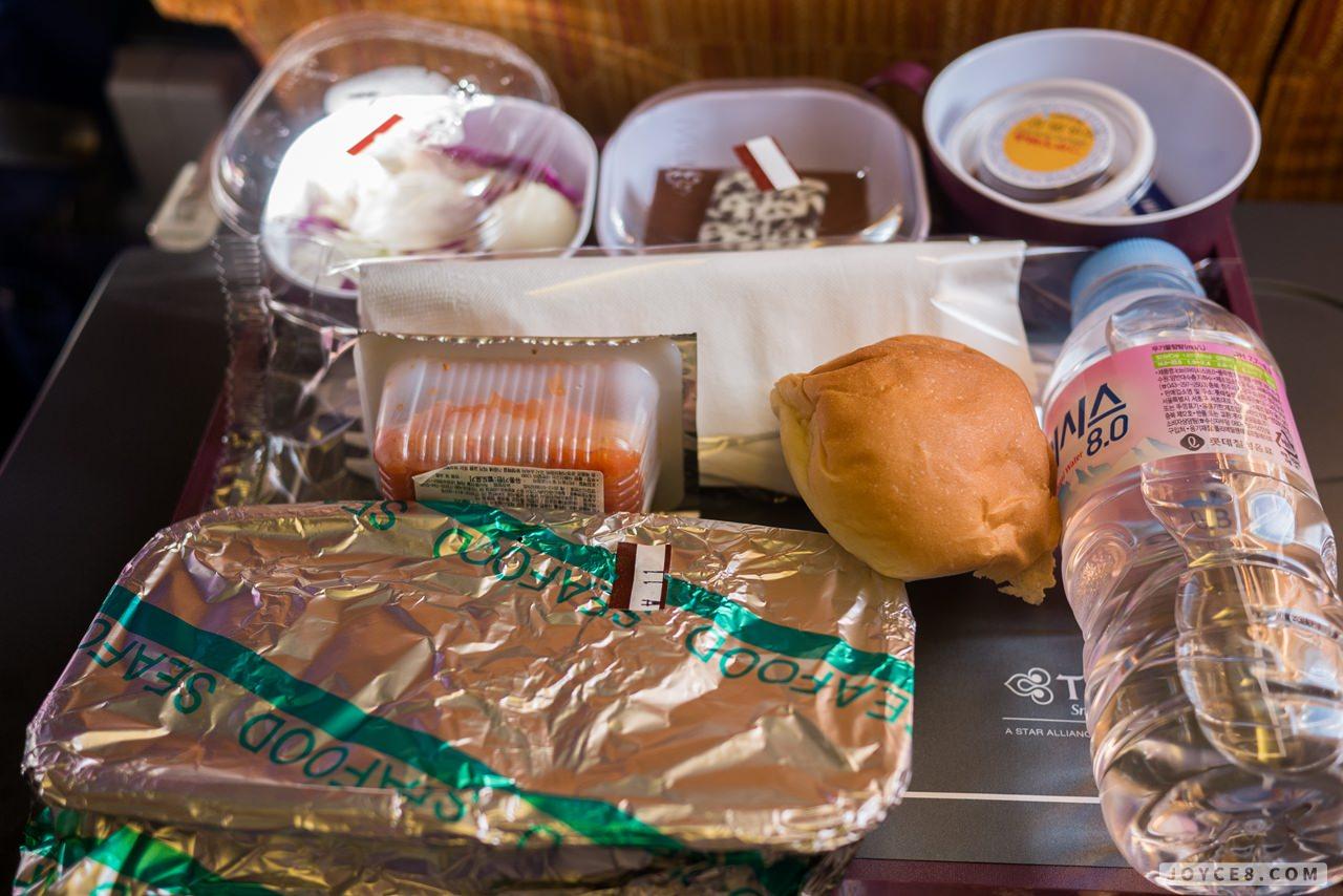 泰航飛機餐好好吃+飛行紀錄|泰國航空 TG634 / TG635 首爾桃園 HELLO Seoul